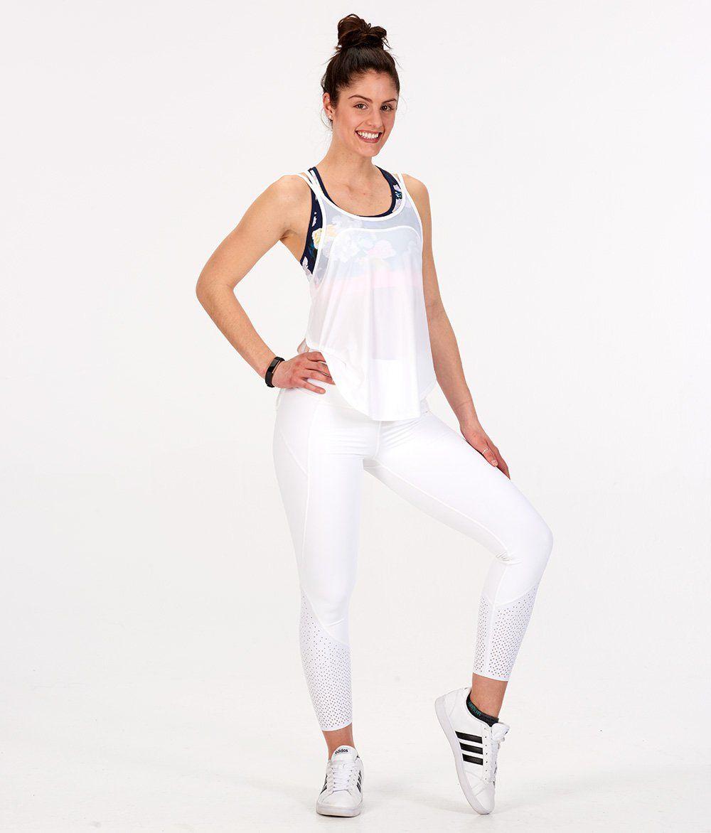 cfbf6295ae 14 Must-Have Spring Looks for Women http   www.runnersworld.