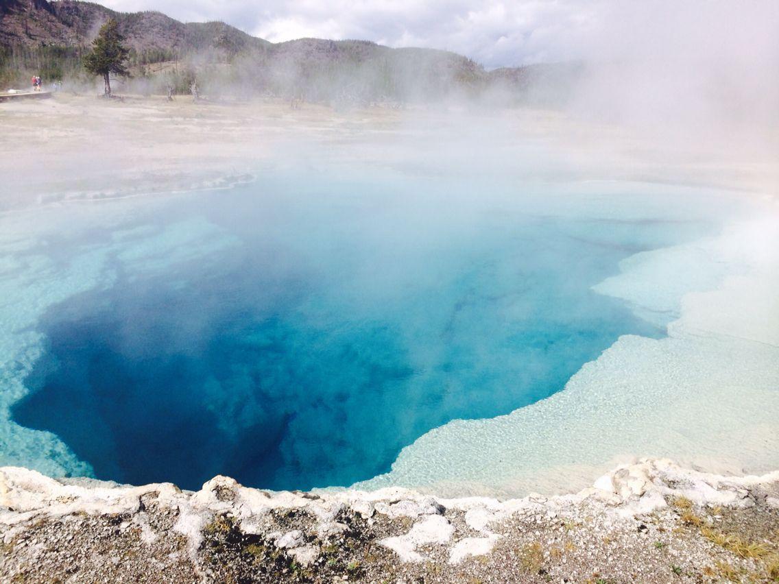 Geyser@Yellowstone