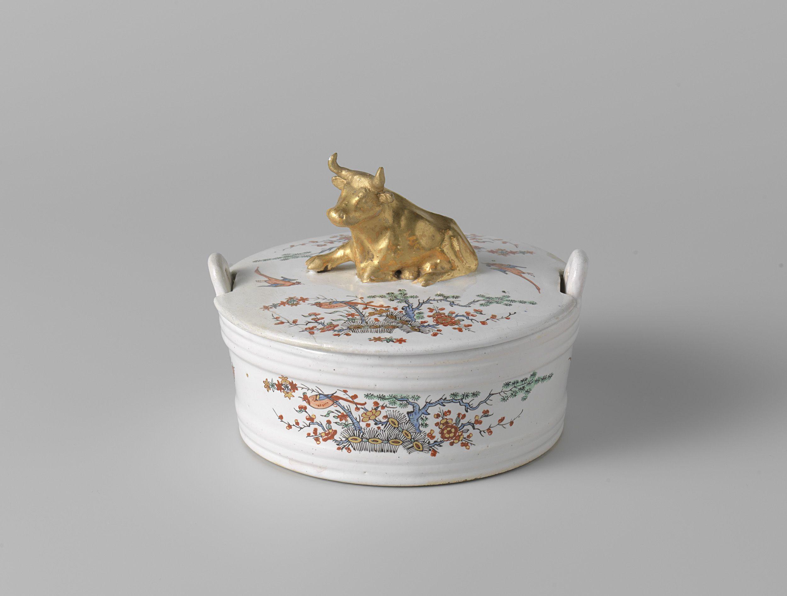 Polychrome Delft Kakiemon petit feu doré butter tureen with recumbent cow, 1730-1740. Rijksmuseum Amsterdam, The Netherlands. Jeroen PM Hartgers