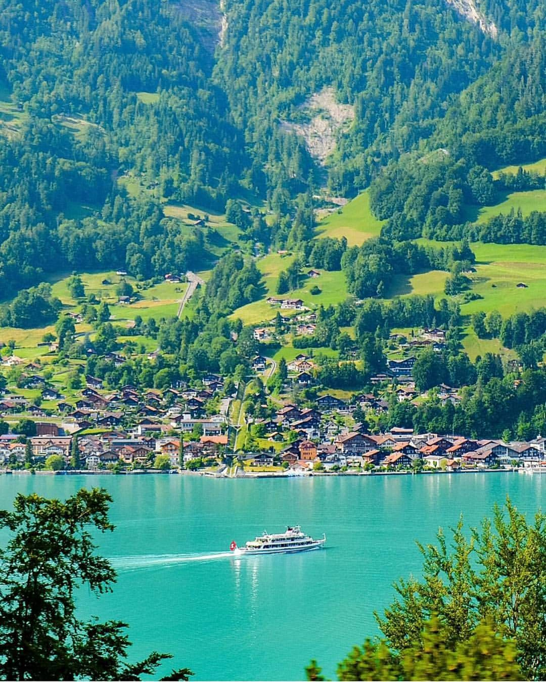 Amazing Places To Stay Switzerland: Lake Brienz, Switzerland