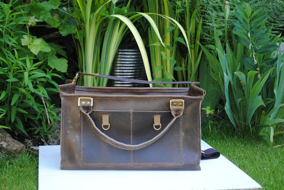 15 DISCOUNT 4th July Promo CHIC Large by HenandTillLeather on Etsy, £179.00