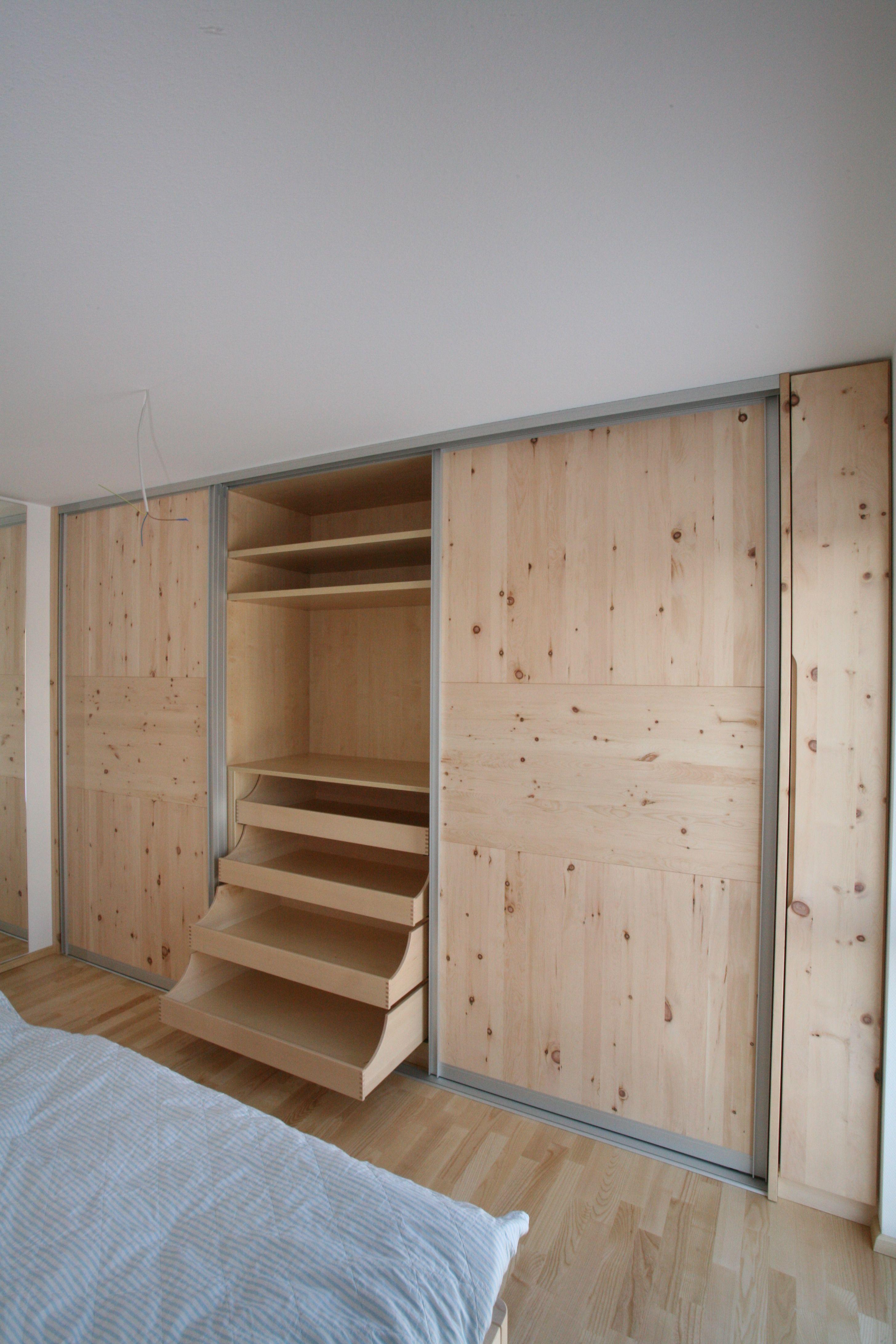 Tolles Schlafzimmer aus duftendem Zirbenholz | Schlafzimmer | Pinterest