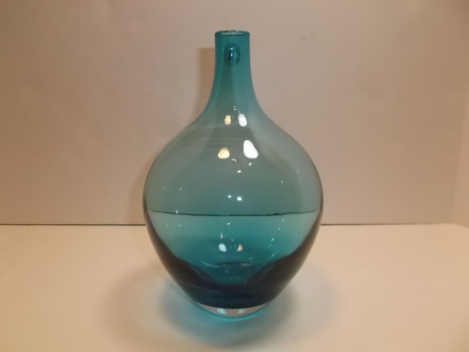 "IKEA OF SWEDEN BLUE GLASS VASE 8"" TALL https://t.co/KKRz3uIKiE https://t.co/cRBUXy43ZV"