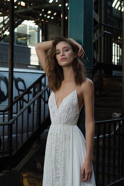 FLORA trae el lujo por el cual las casas de moda israelíes son conocidas con …