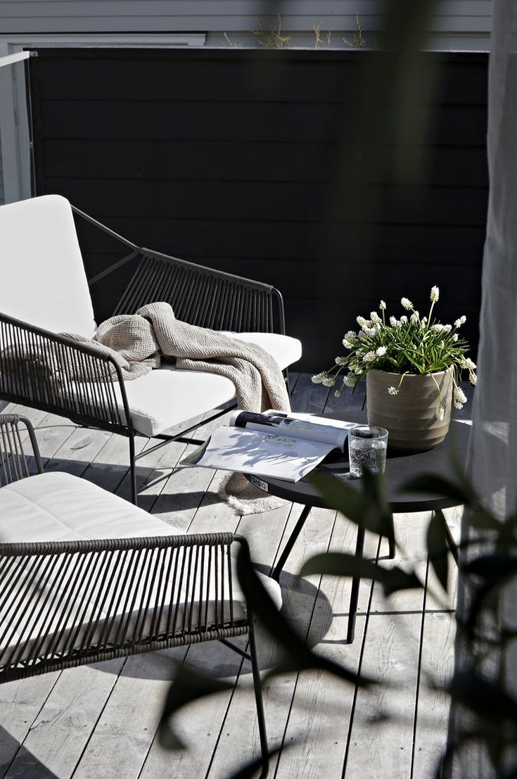 getting the terrace ready for summer terrassen balkone privatg rten. Black Bedroom Furniture Sets. Home Design Ideas