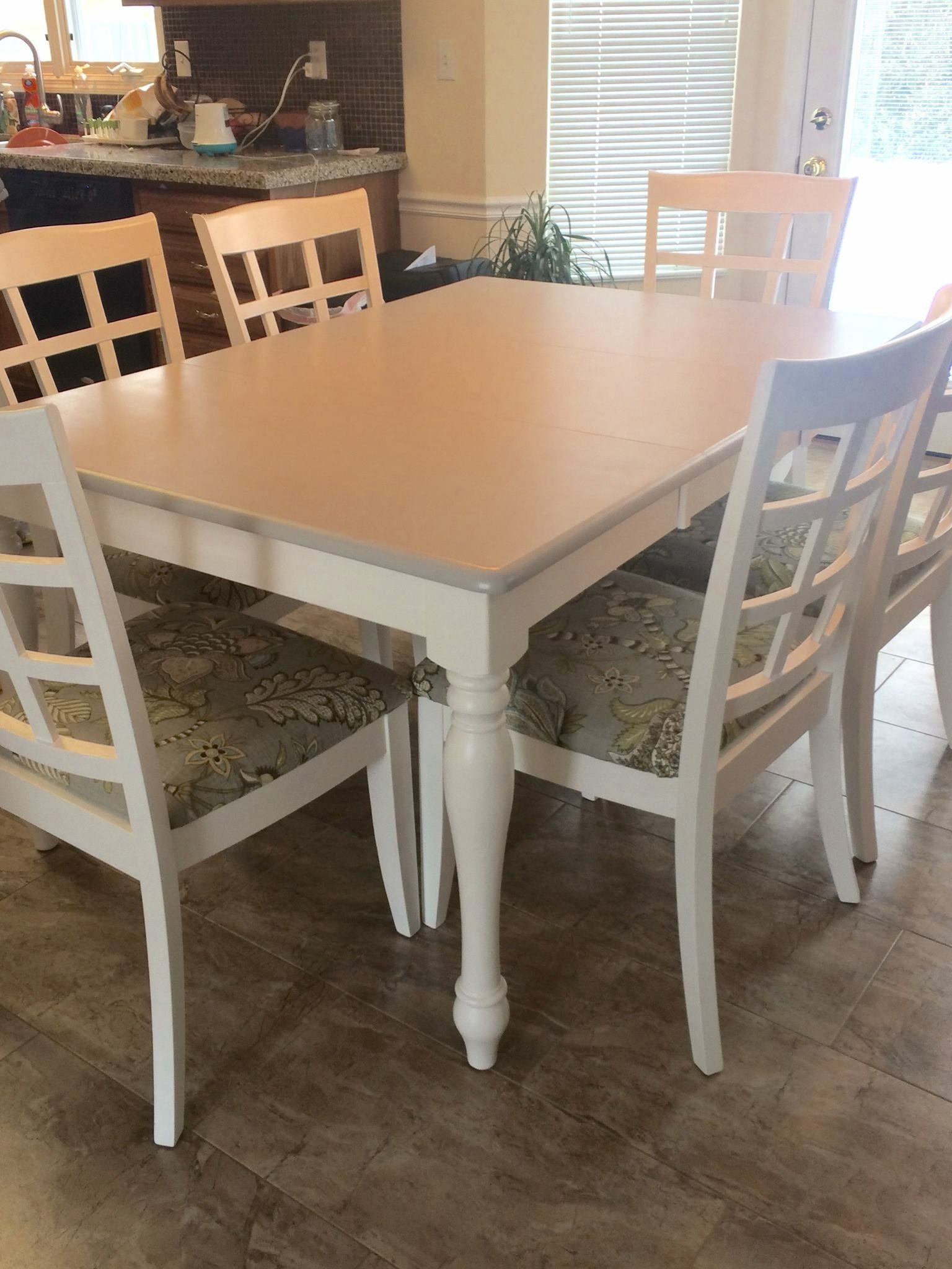 White Leg Table And Chairs