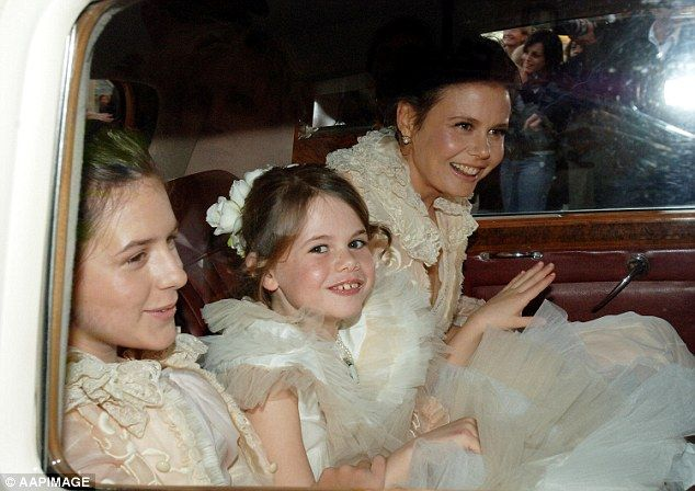 Antonia Kidman with daughter Lucia, and Nicole Kidman's daughter Isabella ...