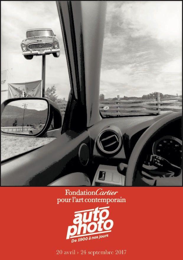 """""""Autophoto: de 1900 à nos jours"""". Une exposition qui mêle deux mondes, la photo et les voitures, proposée par la Fondation Cartier (261, Boulevard Raspail - 75014) du 20 avril au 24 septembre 2017."""