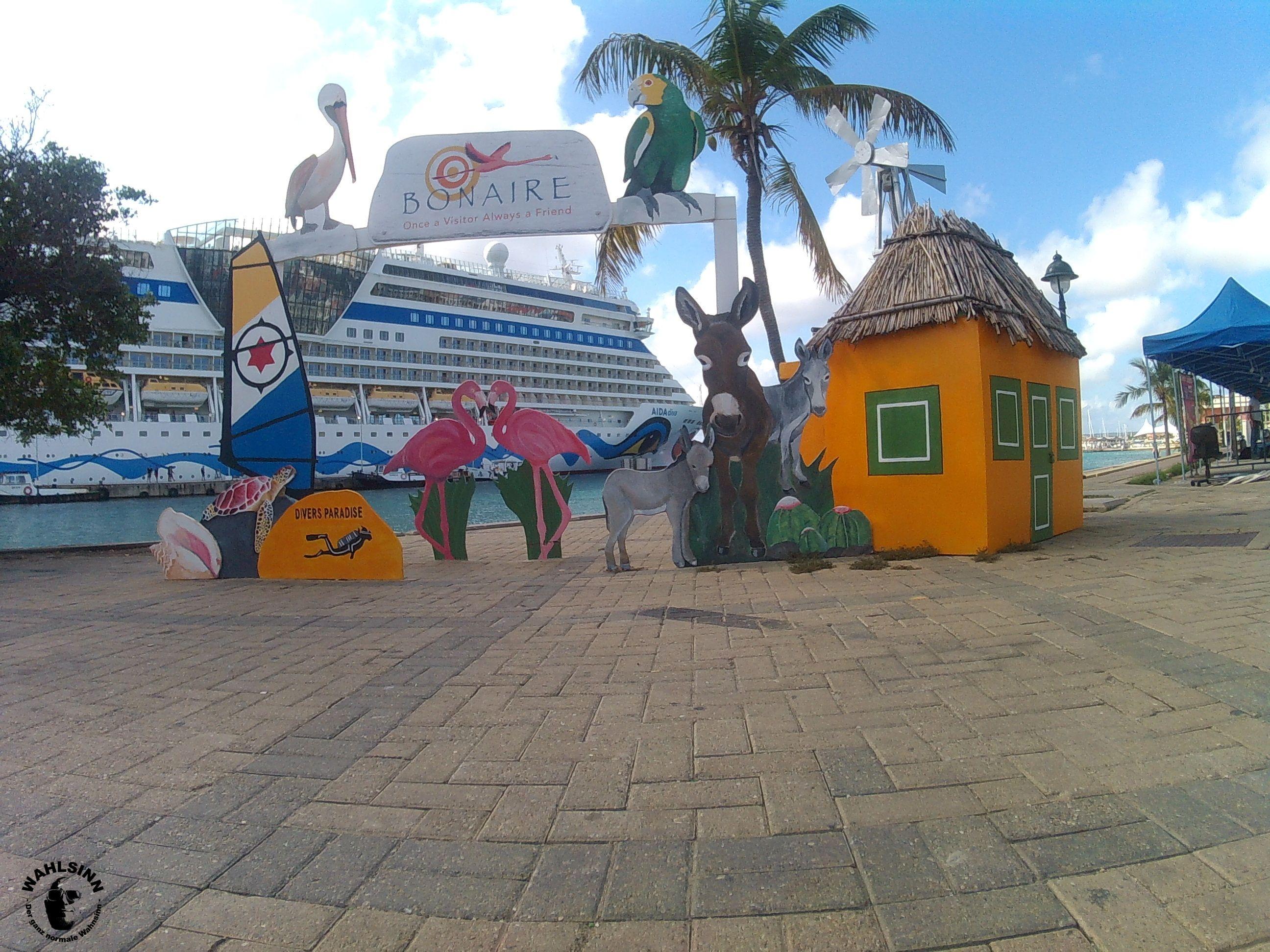 Bonaire - Der Hafenterminal in der Hauptstadt lädt Hobbyfotografen schon zum verwailen ein