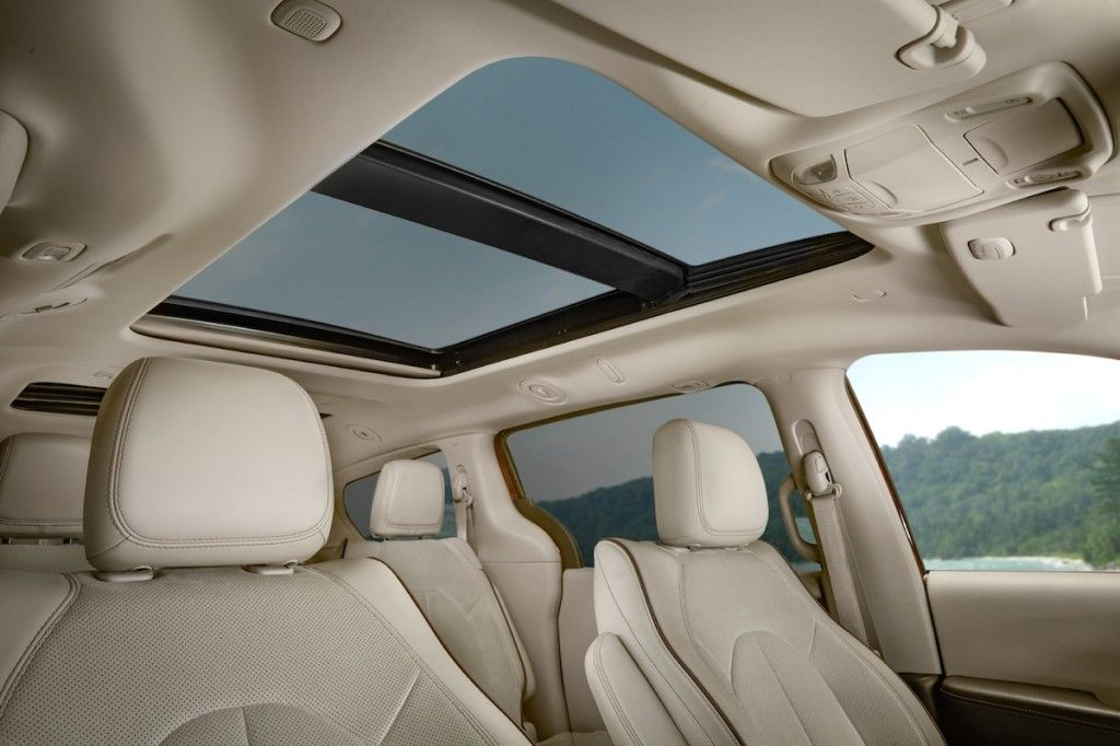 Watch Fireworks Through Your Tri Pane Panoramic Sunroof This Fourth Of July Fourthofjuly 4thofjuly Tripane Chrysler Pacifica Automotive