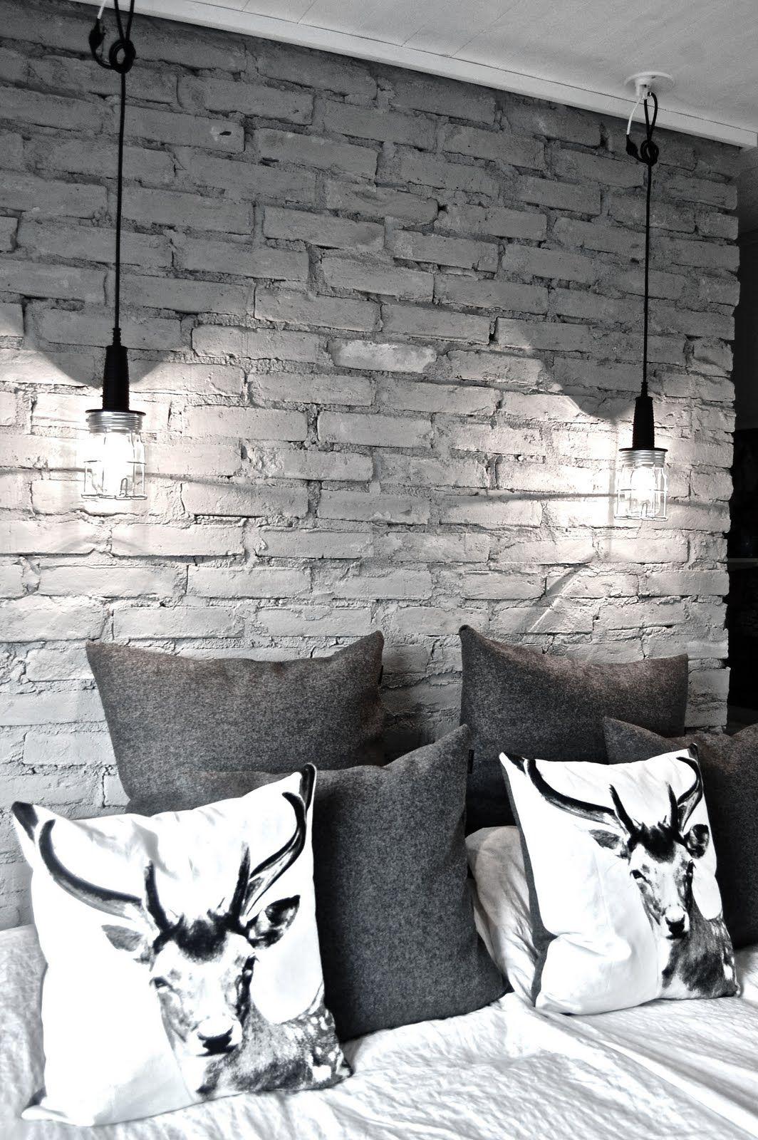 Detales Namutekstile Pilka Interjeras Interjeropatarimai Pagalvele Plytusiena Miegamasis Brick Wall Bedroom Brick Bedroom White Brick Walls