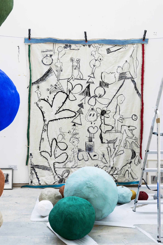 Inside the artist's studio Annie Morris Esculturas