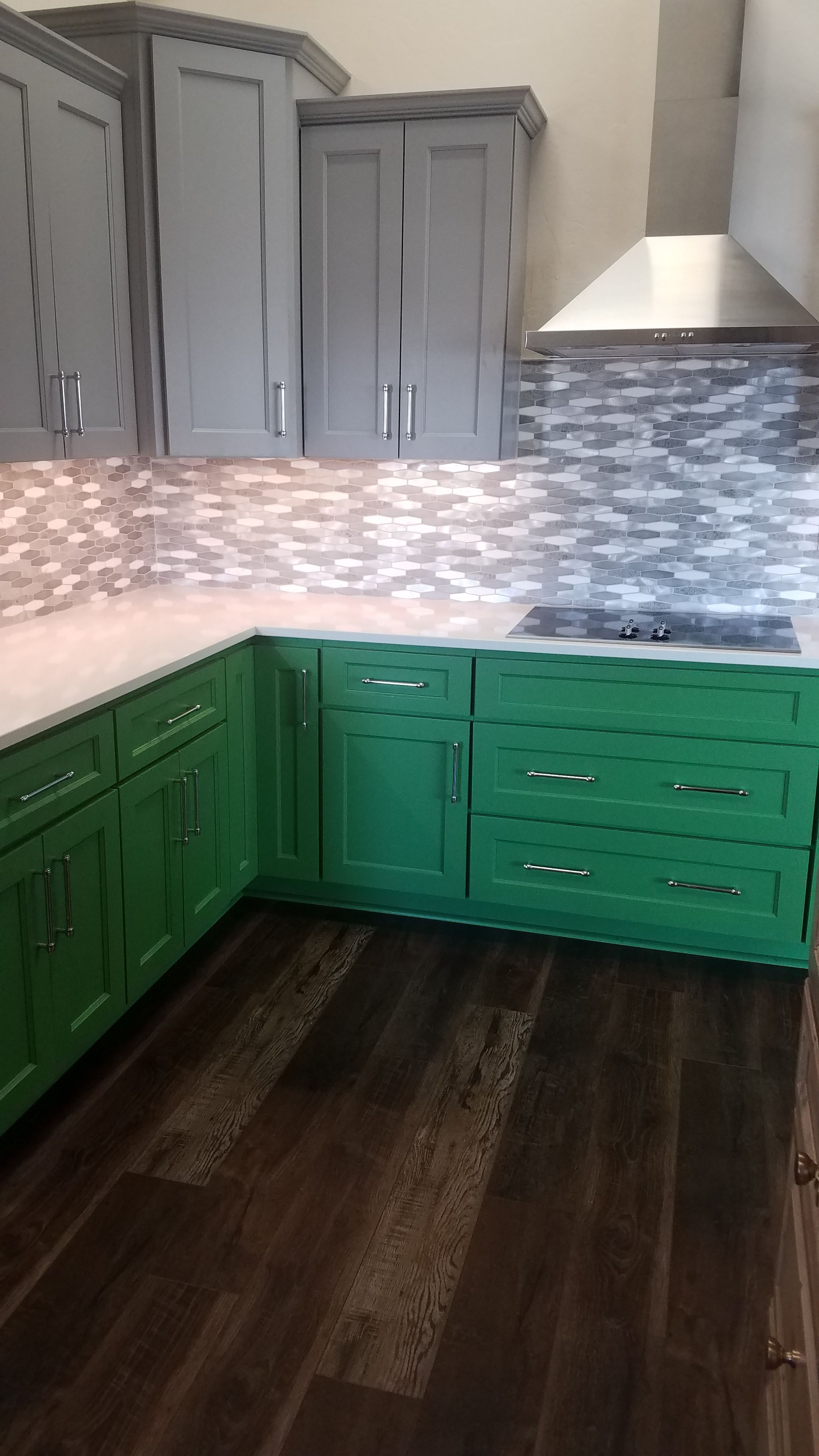 Custom Talipot Palm By Sherwin Williams Painted Lower Cabinets Give A Pop Of Color To The C Kitchen Cabinets Rta Kitchen Cabinets Inexpensive Kitchen Cabinets