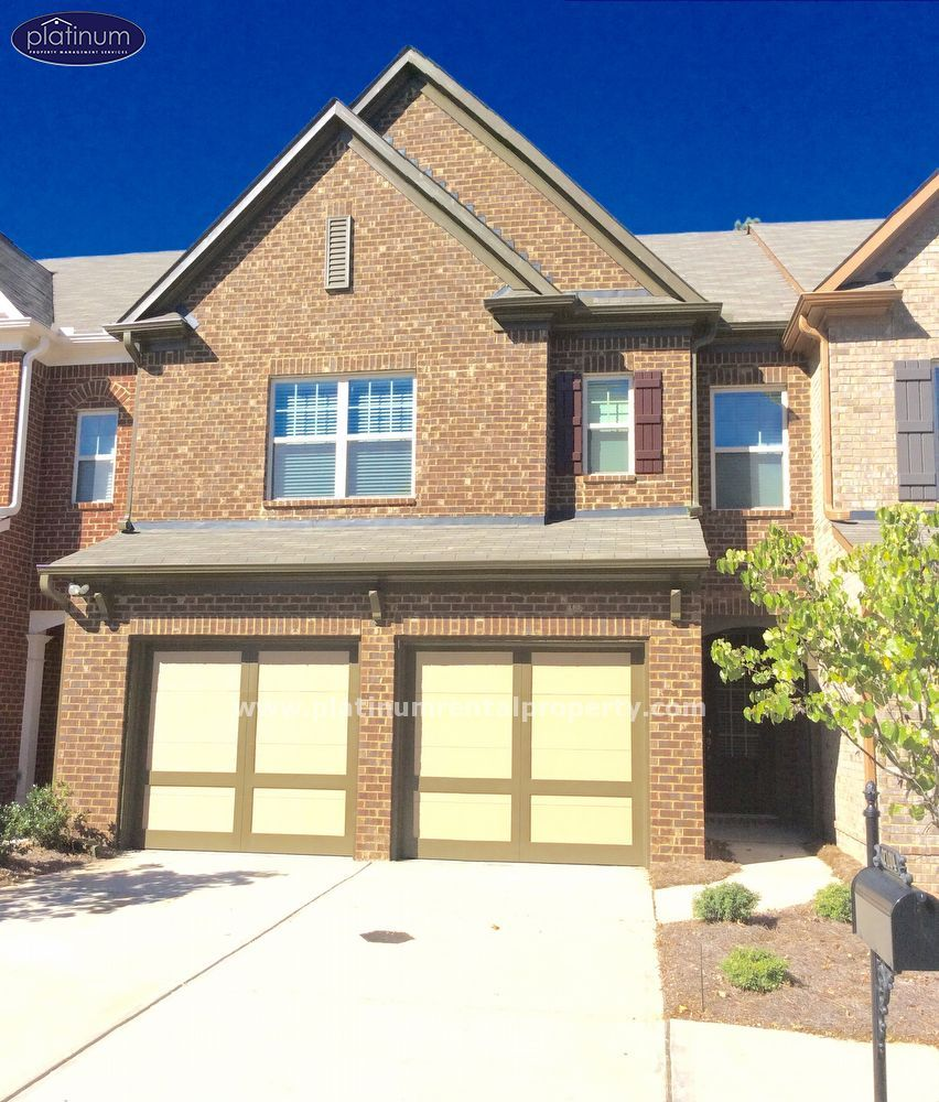 Alpharetta Townhome For Rent Is Located In The Deerfield Green