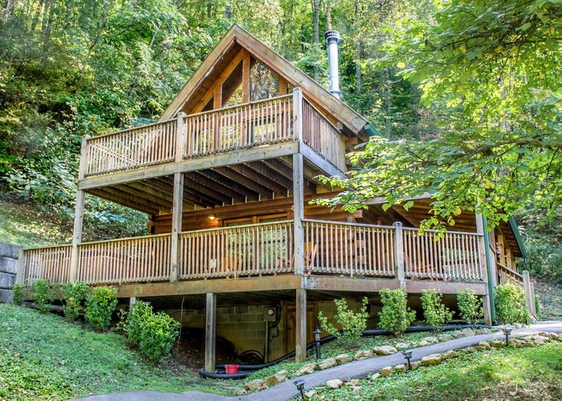 property smoky photos mountain with in cabin bear cabins vacation valley mountains wears picture hugs views rental