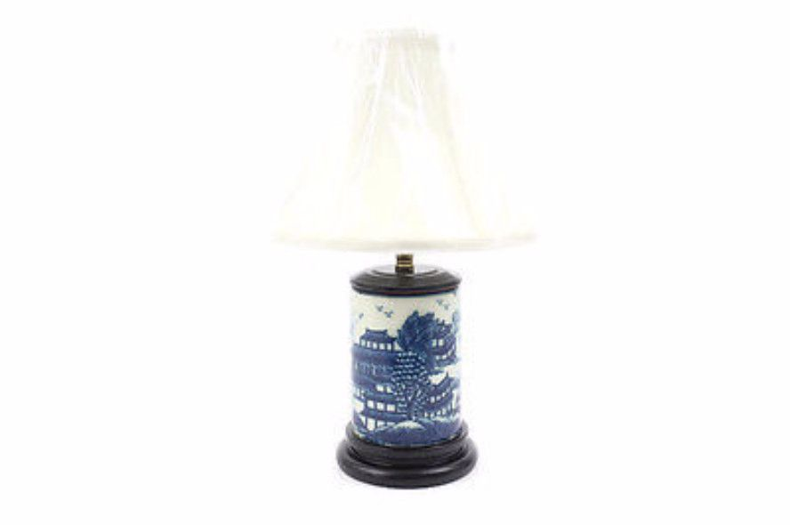 Beautiful Cute Round Blue And White Porcelain Willow Table Lamp