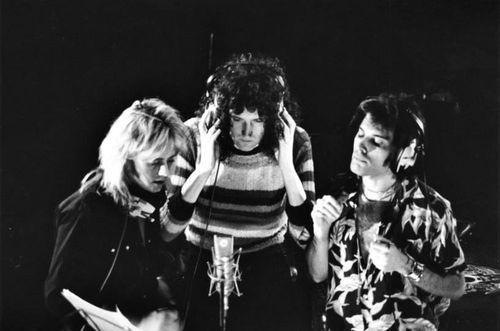 Roger Taylor, Brian May and Freddie Mercury recording vocals for 'Somebody to Love'