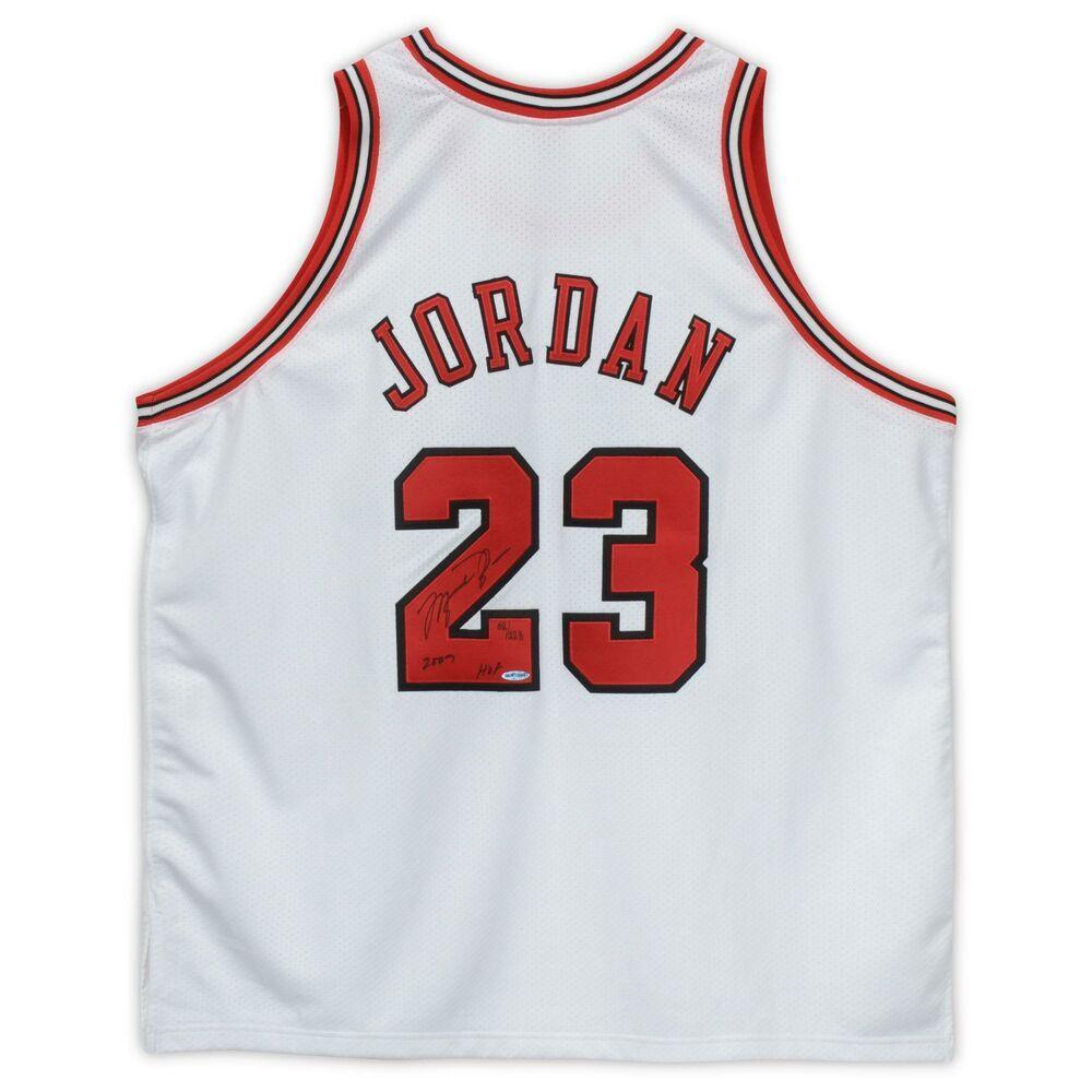 Autographed Michael Jordan Bulls Jersey Upper Deck COA