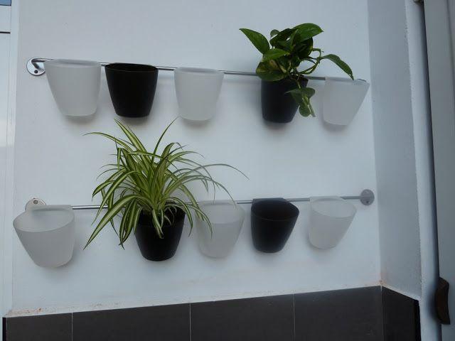 Utilice Unas Barras De Cocina De Ikea Y Los Cubiletes Para