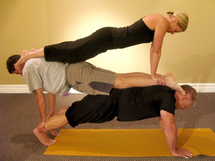 Articolazioni Mobili ~ Yoga for two partner yoga yoga and yoga inspiration