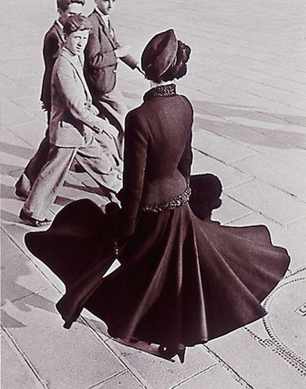 Renee, the New Look of Dior, Place de la Concorde, Paris, 1947