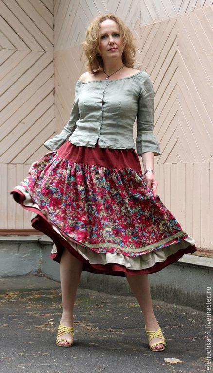 pod-yubkami-u-russkih-zhenshin-na-rabote