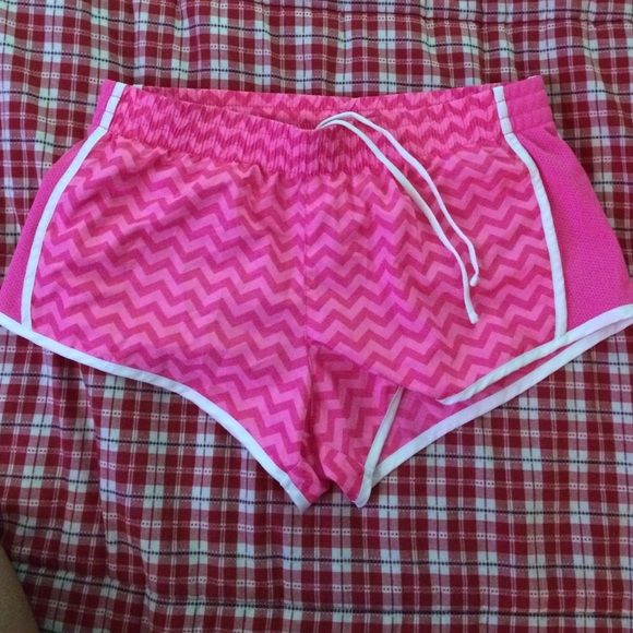 Pink chevron shorts Size small has lining/undies built in. Perfect for working out  and the pink chevron pattern is super cute Shorts