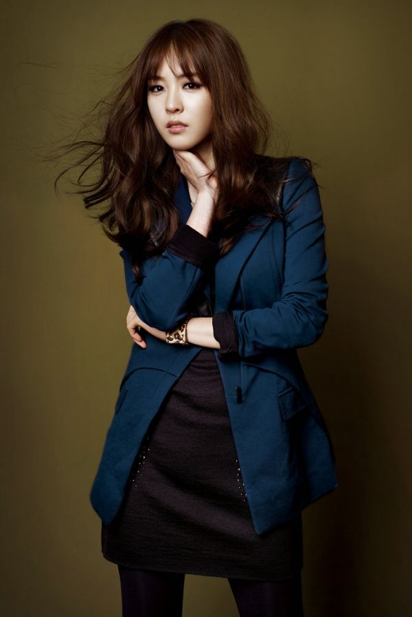 "Lee Yeon Hee Might Appear In ""The Writings of Nine Houses"" : KDrama : KDramaStars"