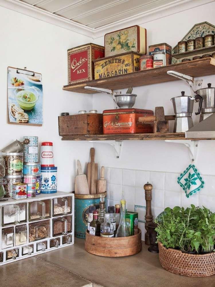 Idée Déco Cuisine Vintage Avec Boîtes De Rangement En Métal - Carrelage mural blanc pour idees de deco de cuisine