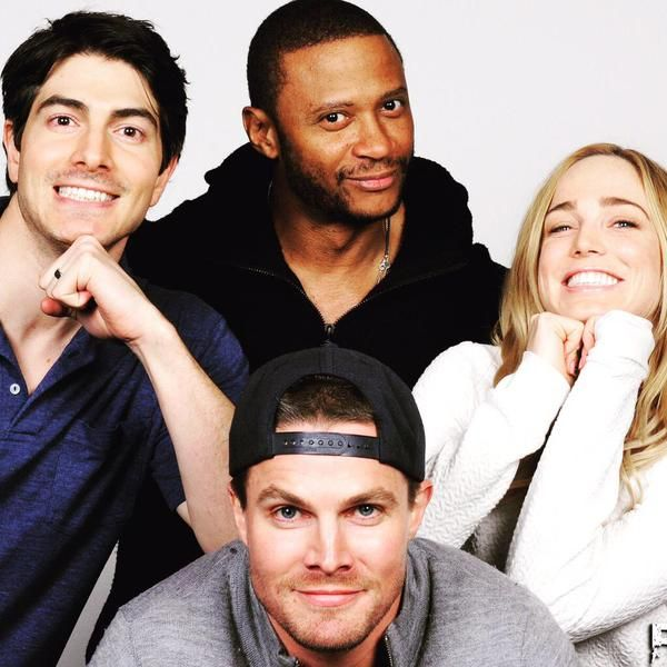 New pic of Stephen Amell, David Ramsey, Caity Lotz and Brandon Routh from May at #CityOfHeroes in UK #Arrow