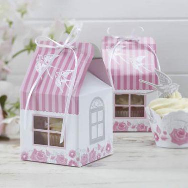 La boite g teau maison aux roses scrapbooking pinterest boite a gateau gateau maison et - Gabarit maison en carton ...