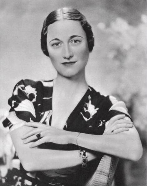 Wallis Simpson, esposa y gran amor del príncipe Eduardo de Inglaterra, quien renunció a la corona por ella http://www.mujeresenlahistoria.com/2012/03/la-divorciada-que-cambio-la-historia.html