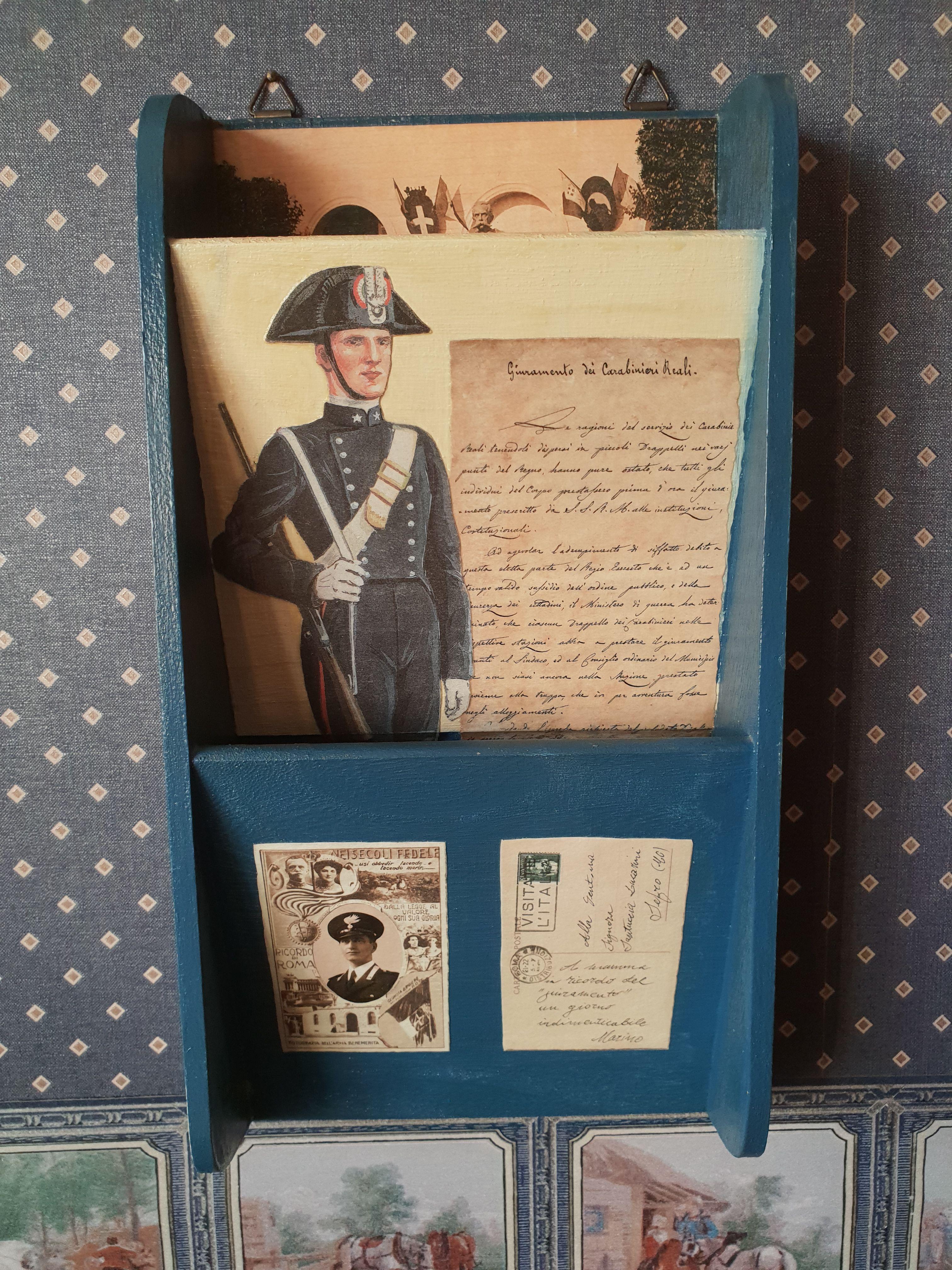 Porta Lettere In Legno Pitturato E Decoupage Con Ritagli Calendario