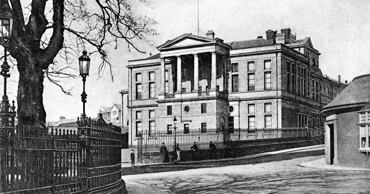 Old Photograph Of The High School In Kirkcaldy Fife Scotland The School Was Established In 1582 As Kirkcaldy Old Photos Old Photographs Vintage Poster Art
