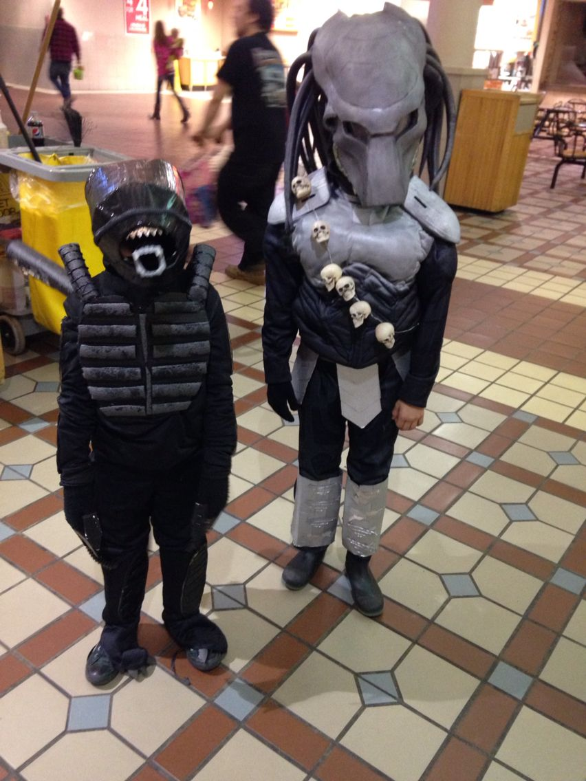 Children's home made alien vs predator Halloween costumes ...