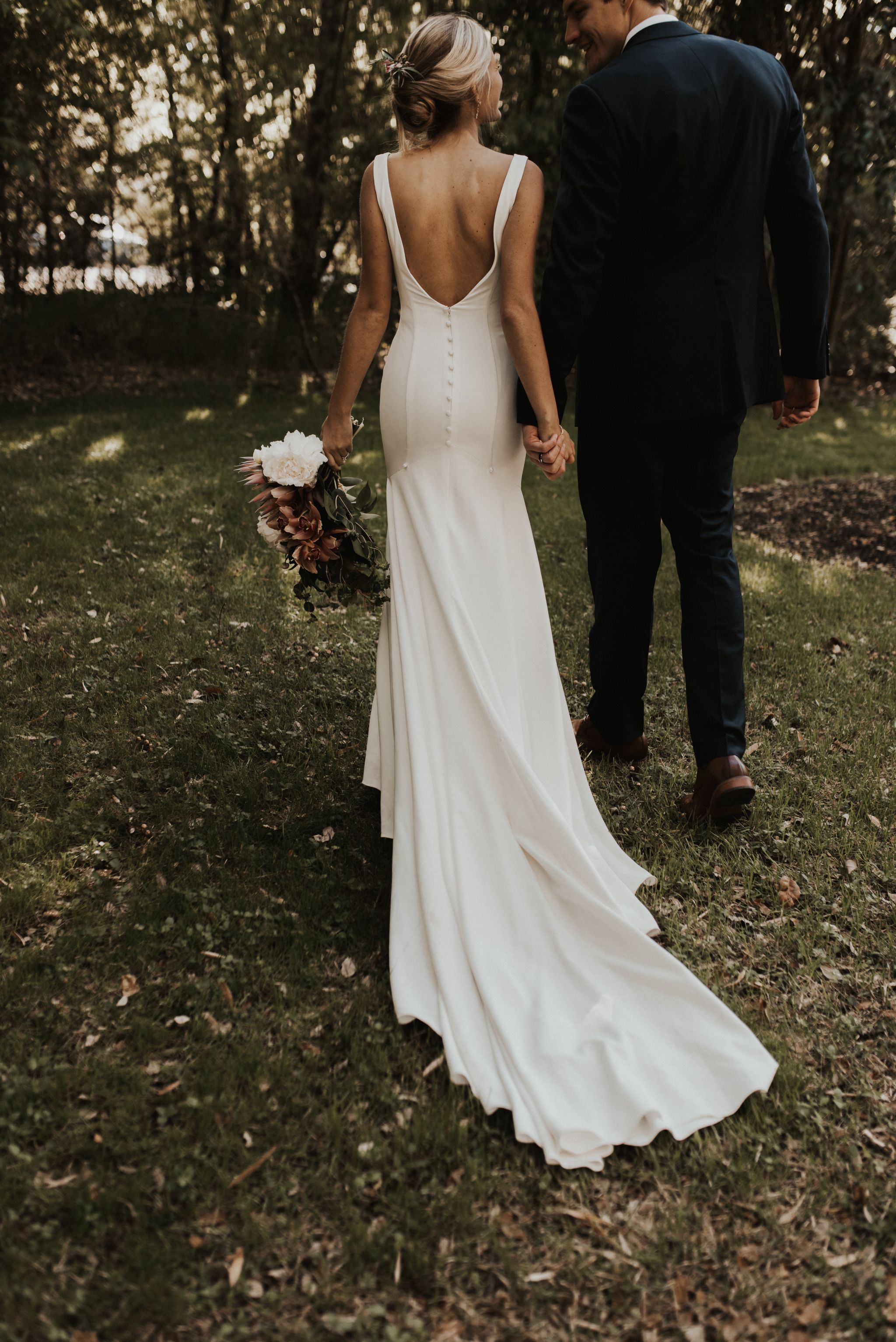 Search Used Wedding Dresses Preowned Wedding Gowns For Sale In 2020 Wedding Dresses Simple Wedding Dresses Lace Long Sleeve Wedding Guest Dresses