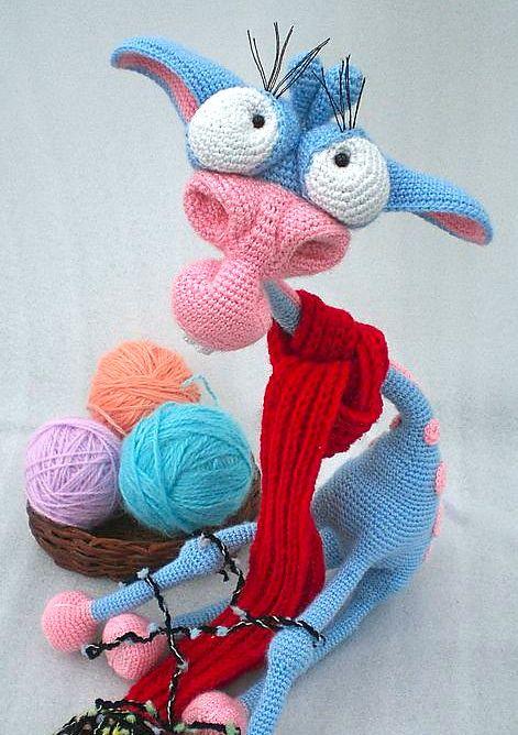 005 Giraffe George Amigurumi pattern by LittleOwlsHut #crochetgiraffepattern