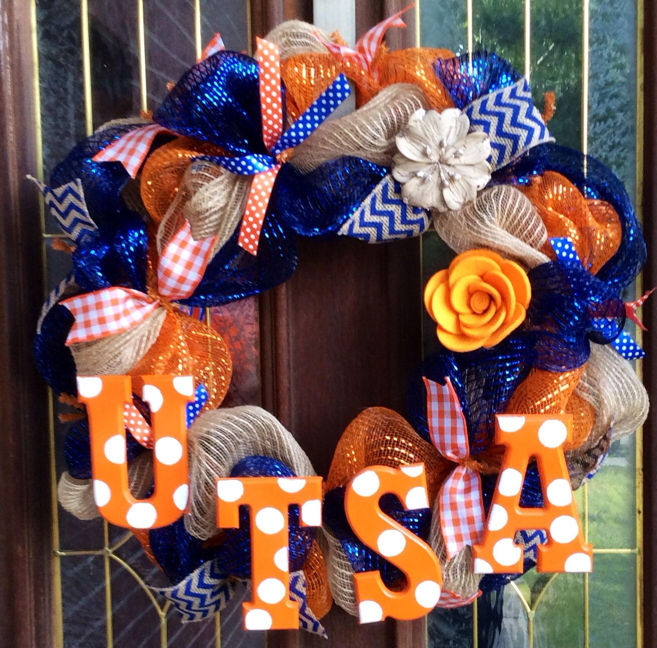 UTSA College Wreath