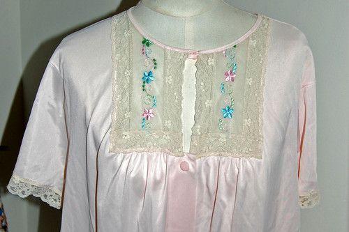 Vintage ~ Komar ~ Nightgown ~ Up for bid on ebay