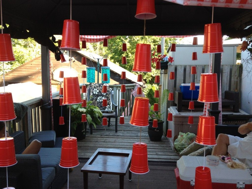 Red solo cup streamers fora redneck partyI could definitely see – Trailer Trash Party Invitations