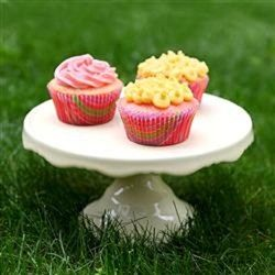"""Frosted Pink Lemonade Cupcakes 