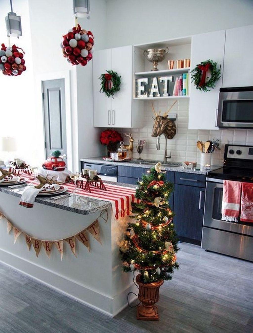 34 Fabulous Winter Theme Kitchen Decoration Ideas ...