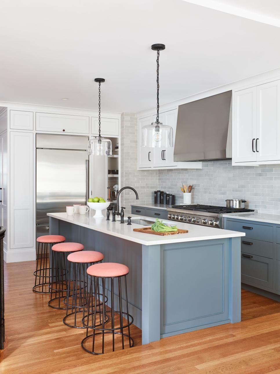 Color Theory 101 Analogous Complementary And The 60 30 10 Rule Hgtv In 2020 Kitchen Colors Top Kitchen Designs Kitchen Design Small