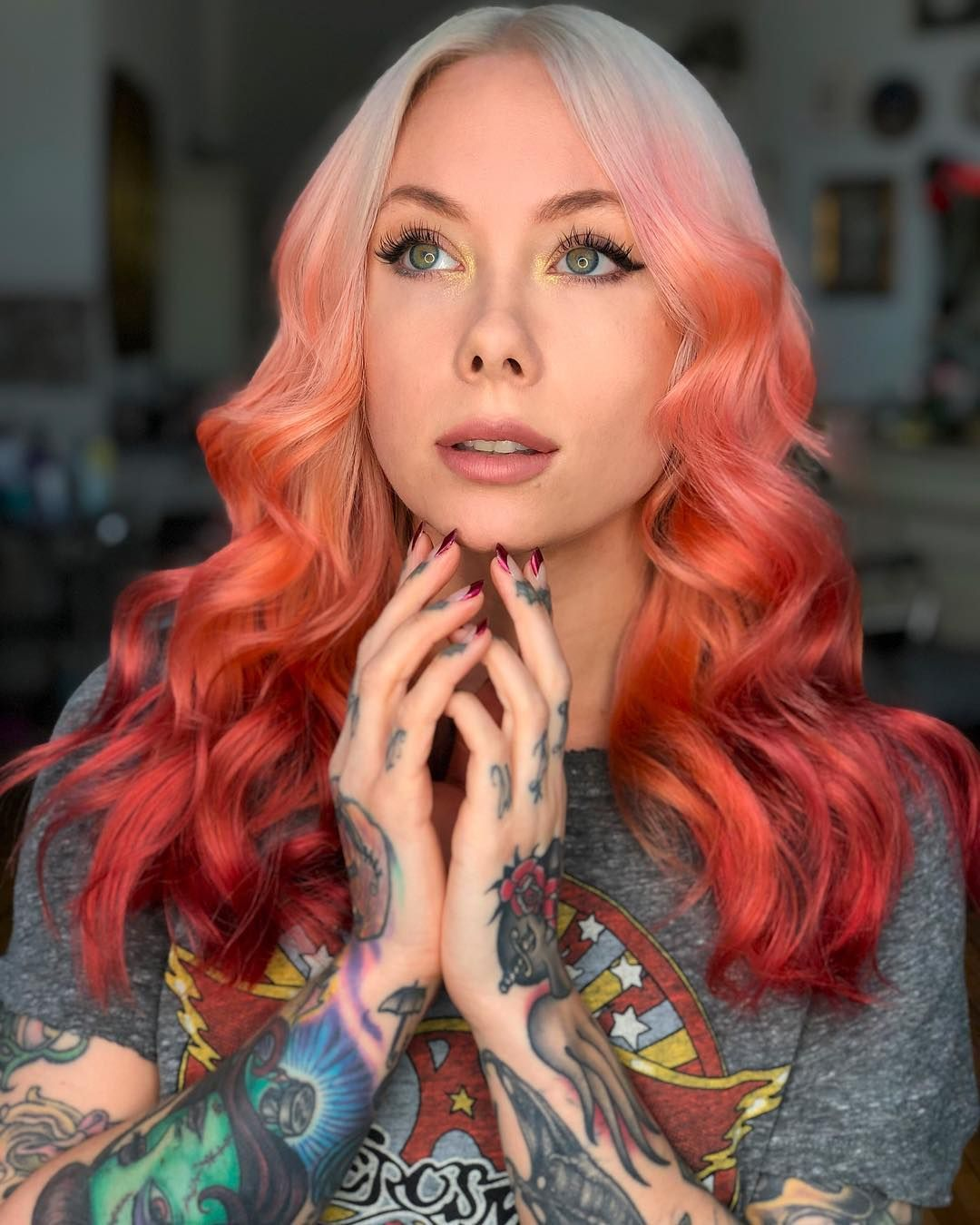 "07b05ebcd Megan Massacre on Instagram: ""More new hair photos because I'm in ❤ ❤ ❤  color by @kayla_boyer cut by @diegomiranda ✂ Nails by @nichole_osorio """