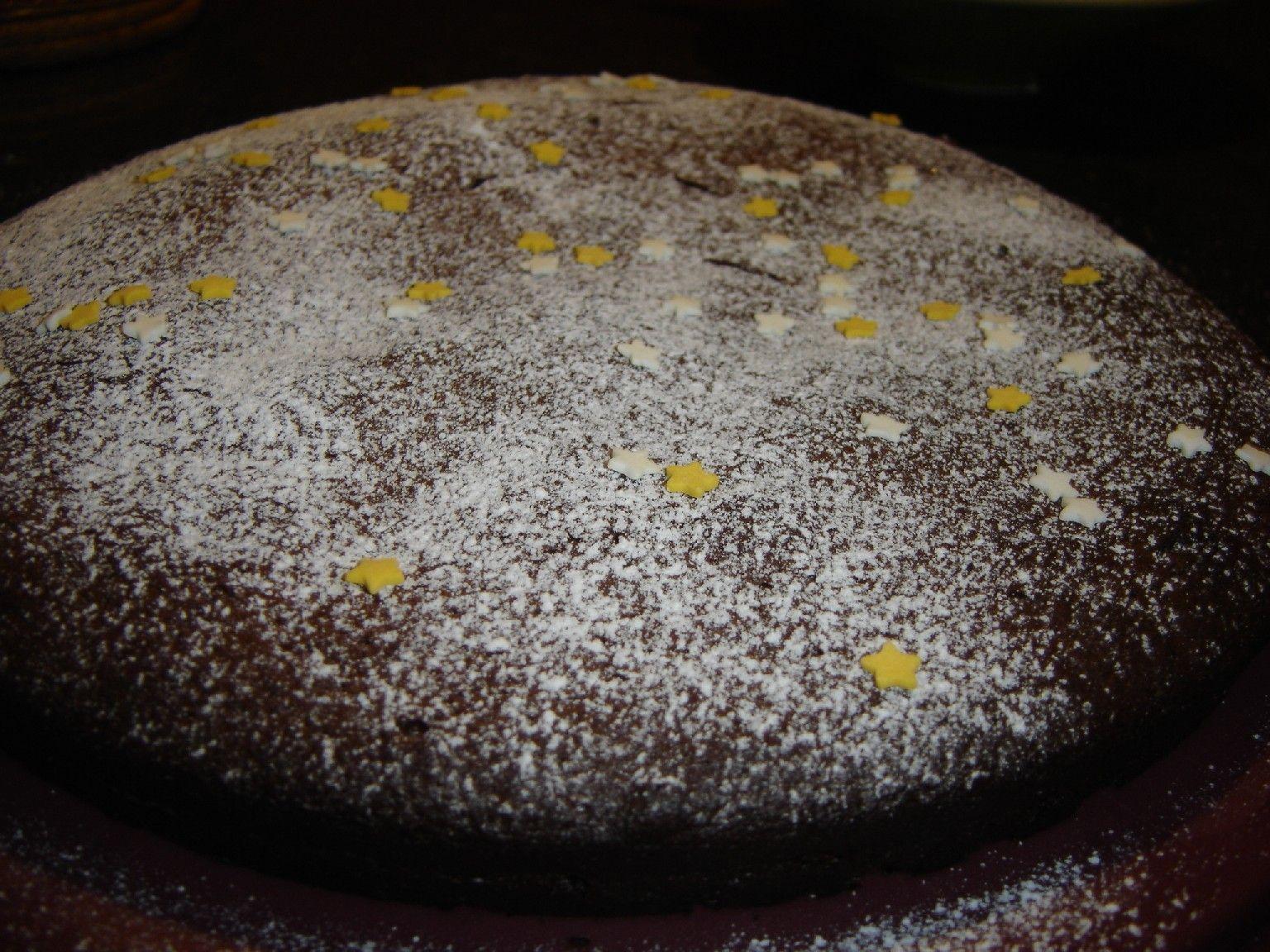 Fondant chocolat /lait concentré sucré - Des Lys d'Or #recettesympa Lorsque j'ai réalisé ma pâte de spéculoos, j'avais ouvert une boite de lait concentré sucré pour n'en utiliser qu'un tiers… Je ne voulais pas jeter le reste j'ai donc cherché une recette sympa et voici celle que j'ai trouvé… On obtient un gâteau moelleux,... #recettesympa