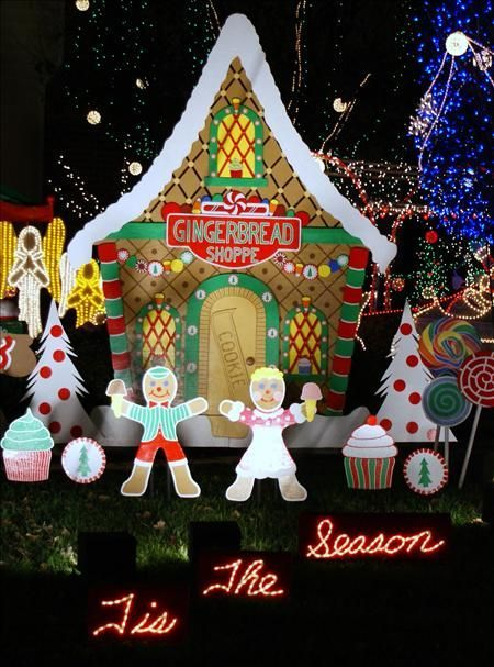 image result for gingerbread outdoor christmas displays - Gingerbread Outdoor Christmas Decorations