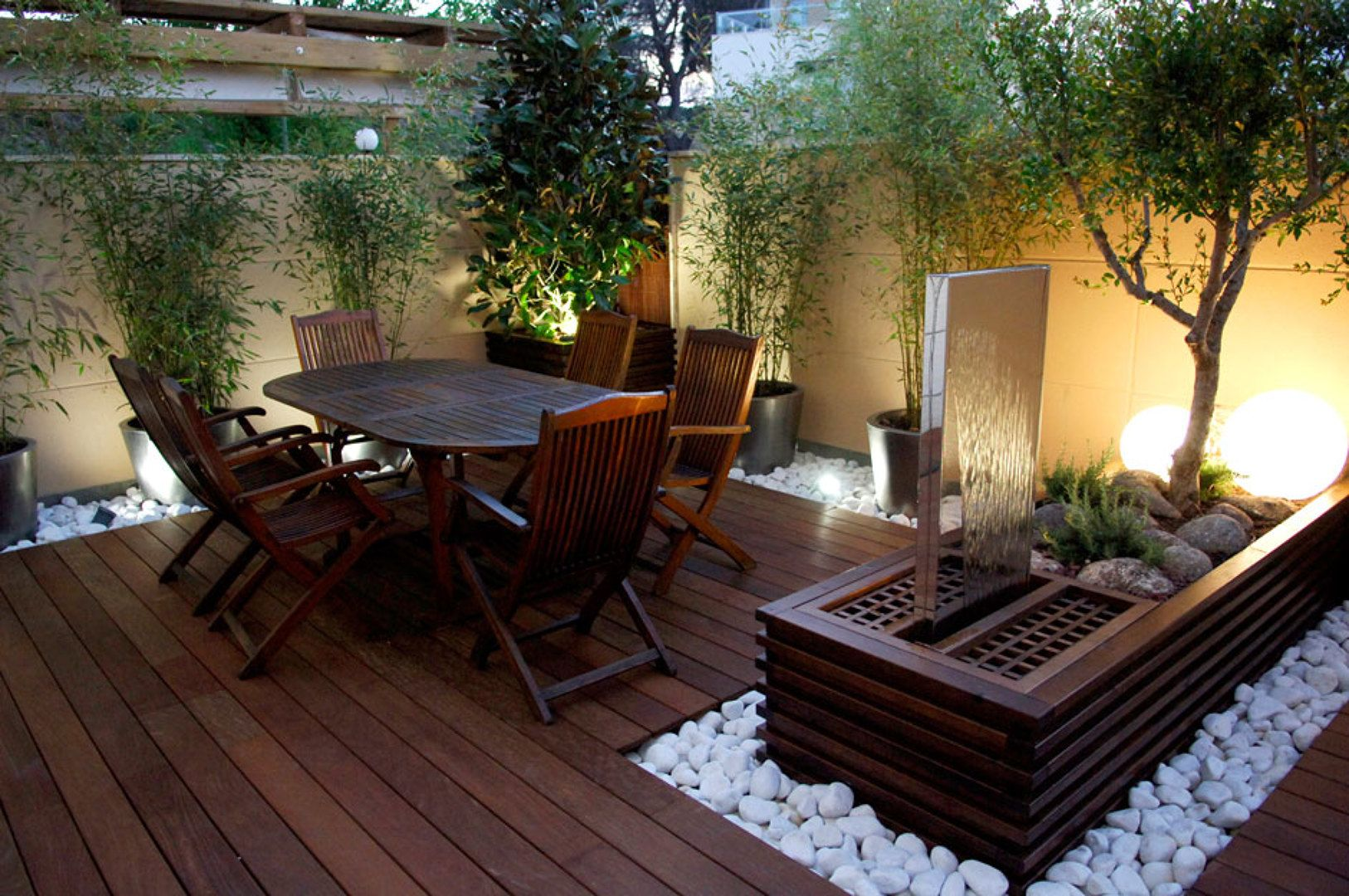 Iluminaci n terraza r stico industrial pinterest for Decoracion patios pequenos exteriores