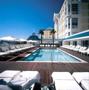Local experts table bay hotel cape town and africa for Table bay hotel quay 6