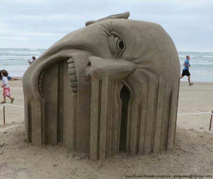 """""""Bleeding"""" sand art"""