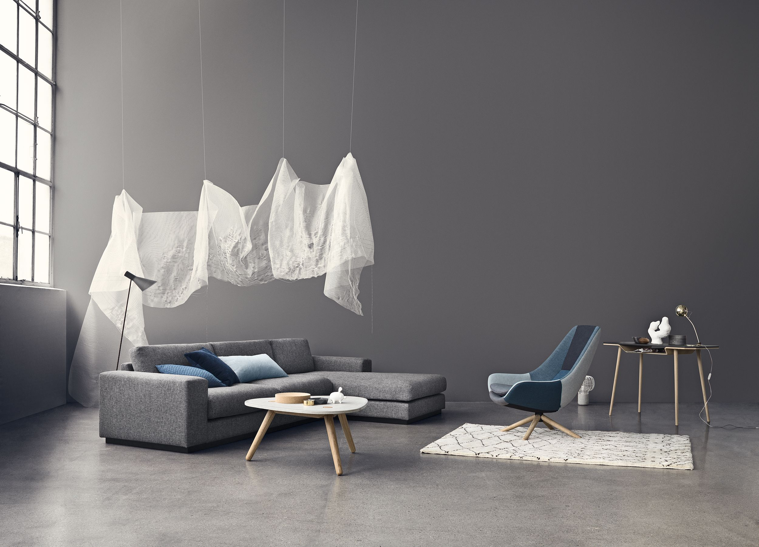 It S Not A Ghost It S The Comfortable Sepia Sofa With Friends Bolia Sofa Sofa Tisch